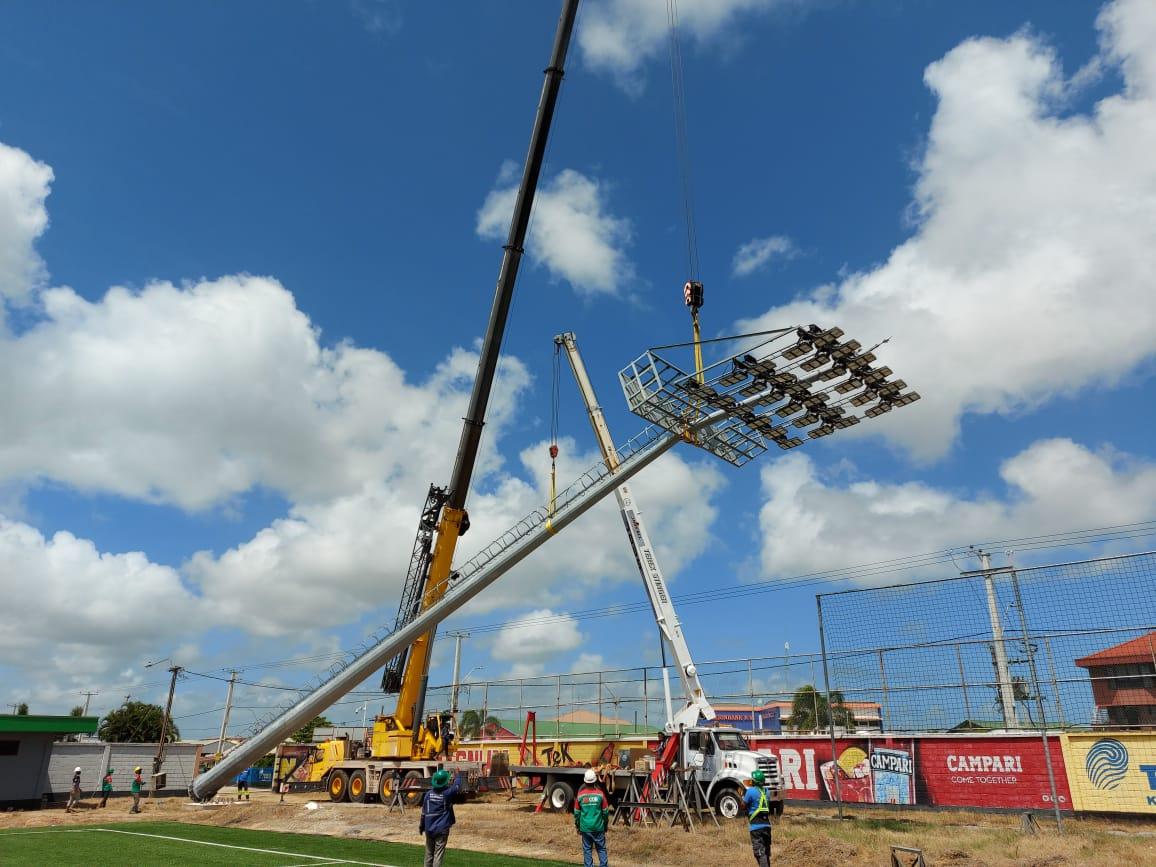 stadion lichtmasten Suriname